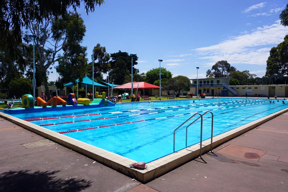 Home - Queens Park Swimming Pool